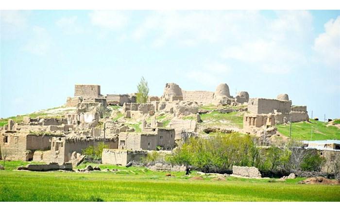 ویرانه ای به نام قلعه باستانی« کاج»