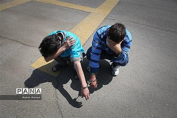 موبایلقاپان محله عباس آباد دستگیر شدند
