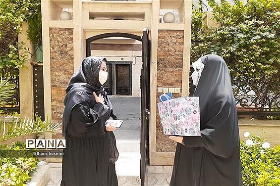 تجلیل از معلمان مدرسه فاطمهزهرا(س) آموزش و پرورش ناحیه یک ری