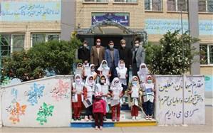 تجلیل از دانش آموزان و مربیان پیشتازان دبستان دخترانه سبلان اردبیل