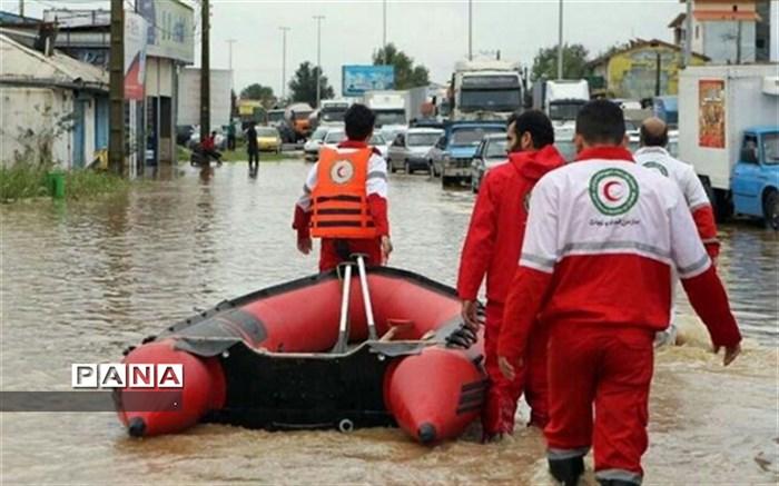 هلال احمر بجنورد 3 فرد گرفتار در سیلاب را نجات داد