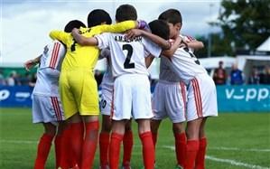 در فوتبال پایه تیمی وجود دارد که از بازیکن 100 تا 150 میلیون پول میگیرد