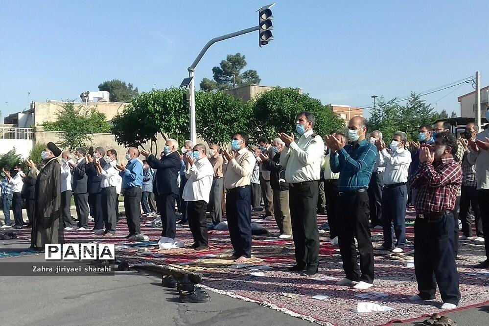 اقامه نماز عید فطر در خاورشهر بارعایت پروتکل و فاصله گذاری