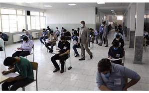 بازدید فولادوند از چند حوزه امتحانی مدارس شهر تهران