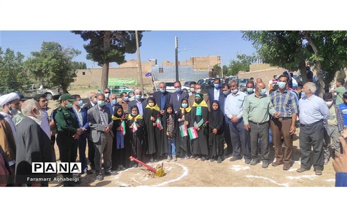 کلنگ زنی احداث مدرسه در تربت حیدریه