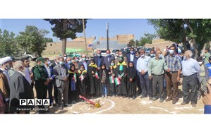 کلنگزنی احداث مدرسه3 کلاسه در روستای حاجییار تربتحیدریه