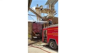 انفجار غبارات گندم در کارخانه آرد نیشابور موجب آتشسوزی شد