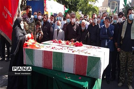 مراسم تشییع و تدفین پیکر ۲ شهید گمنام در منطقه ۷ تهران