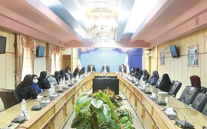 دیدار صمیمانه مدیرکل آموزش و پرورش استان گیلان با جمعی از معلمان مدارس غیر دولتی