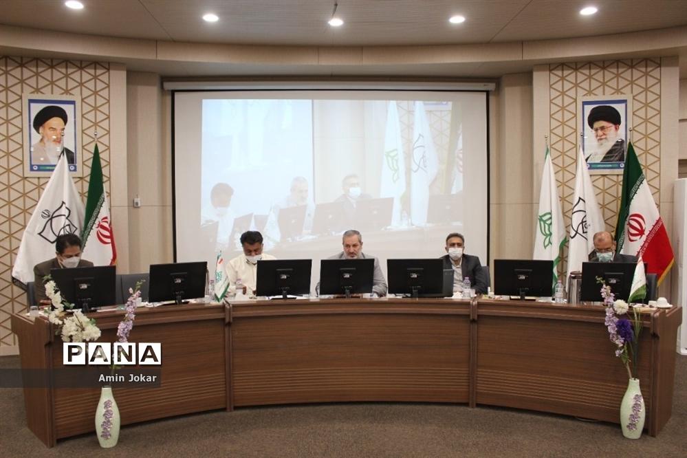 نشست تبیین بازمهندسی تشکیلات پیشتازان سازمان دانشآموزی در شیراز