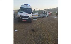 امدادرسانی اورژانس به حادثه خونین  رانندگی جاده میانه زنجان