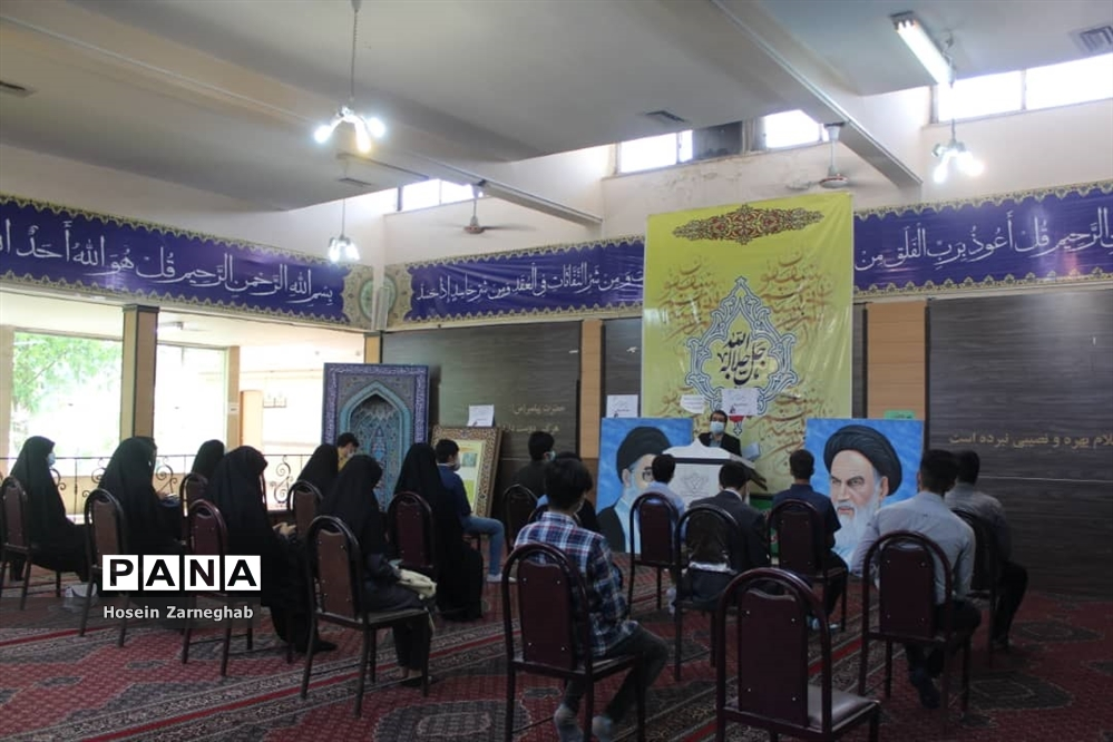 برگزاری جشن تکلیف سیاسی برای دانش آموزان رای اولی