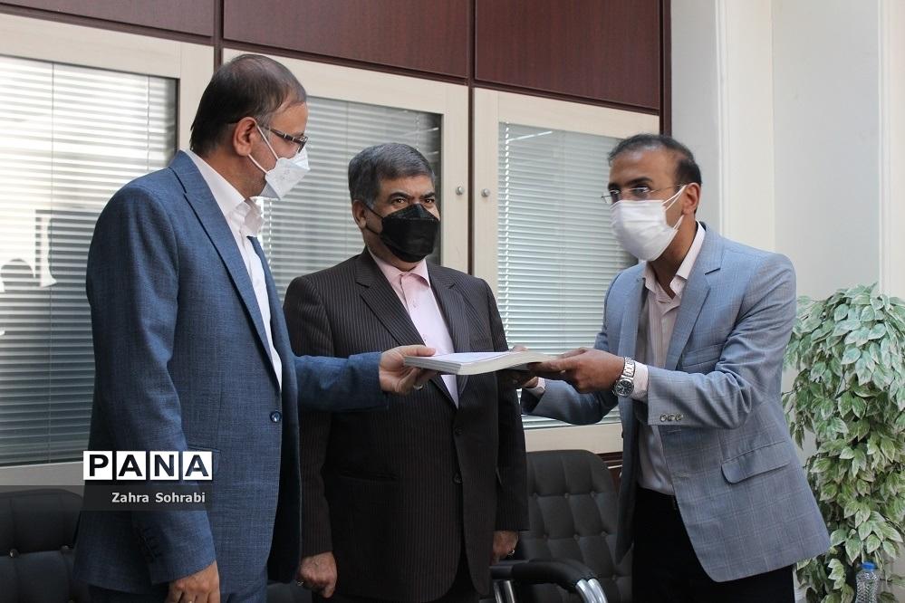مراسم  تحویل اسناد مالکیت ۱۰۰ واحد مسکونی شهرستان اسلامشهر
