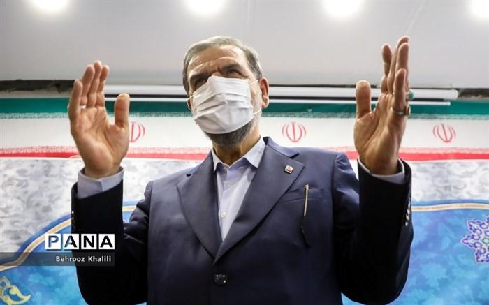 ادعای مشاور احمدینژاد: آرای محسن رضایی در ۱۵ استان از ابراهیم رئیسی پیشی گرفته است