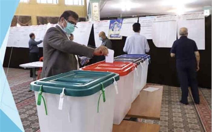 مدیرکل آموزش و پرورش شهر تهران رای خود را به صندوق انتخابات انداخت