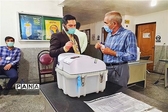 حضور پرشور مردم شاهین شهر در پای صندوقهای رای