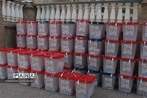 جمع آوری صندوقهای رای در کرمان