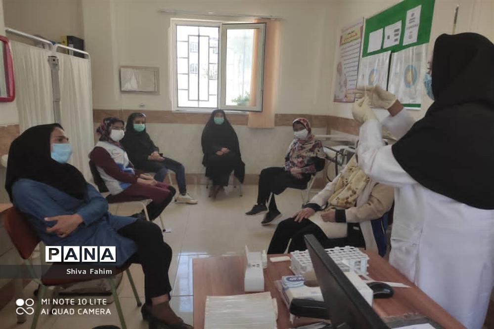 کمک داوطلبانه بسیجیان در مراکز واکسیناسیون سیستان و بلوچستان