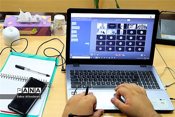 اولین نشست قطبی دهمین دوره مجلس دانشآموزی شهر تهران