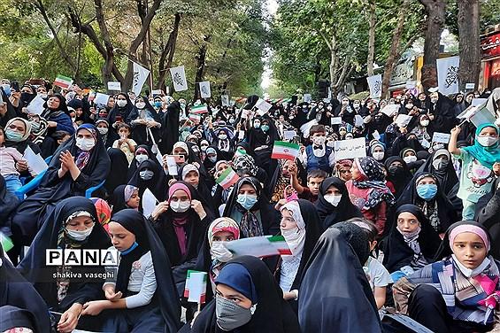 جشن بزرگ دختران انقلاب در اصفهان