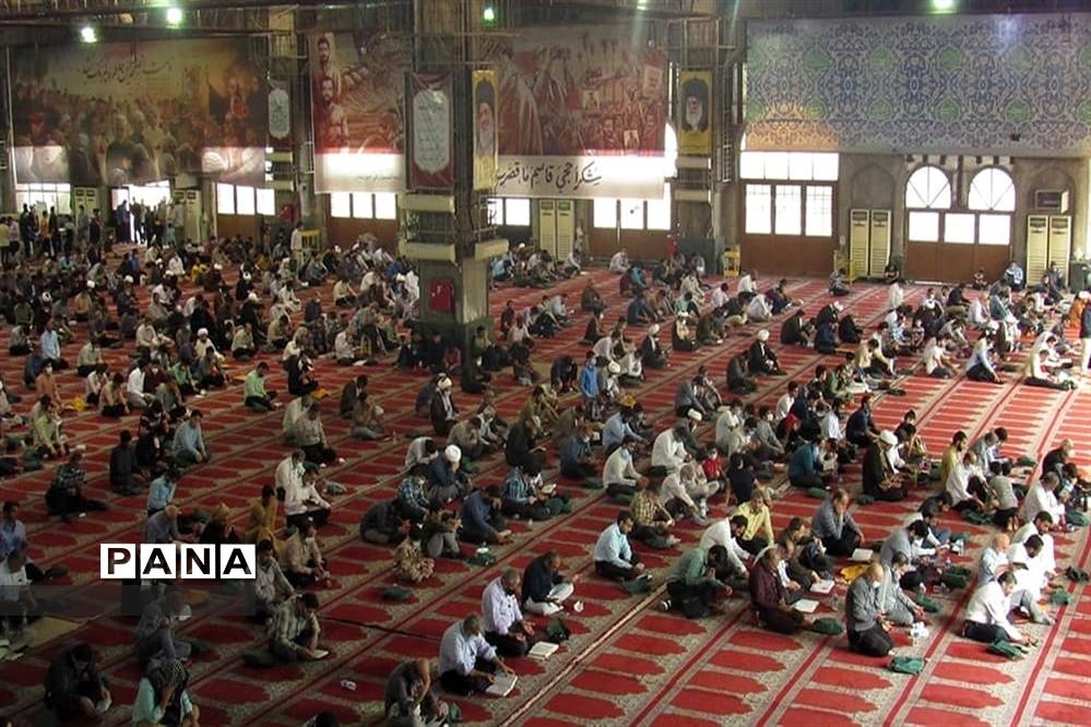 برگزاری آیین دعای عرفه در مصلی مهدیه امام خمینی (ره) اهواز