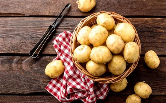 5 فایده سیب زمینی خام برای پوست
