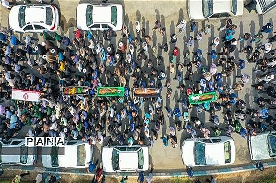 تشییع پیکر محدحسین فرج نژاد به همراه خانواده اش در گلزار شهدای ابرکوه
