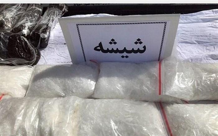 دستگیری شرور معروف و سلطان شیشه و پخش مواد مخدر در کاشان