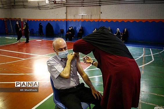 واکسیناسیون فرهنگیان در منطقه 3 آموزش و پرورش