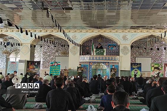 برگزاری نماز جمعه در محل زیارتگاه امامزاده سید حمزه کاشمر