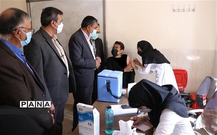 حدود 40 درصد از دانش آموزان استان کرمان تا 17 مهر، واکسن کرونا دریافت کردند