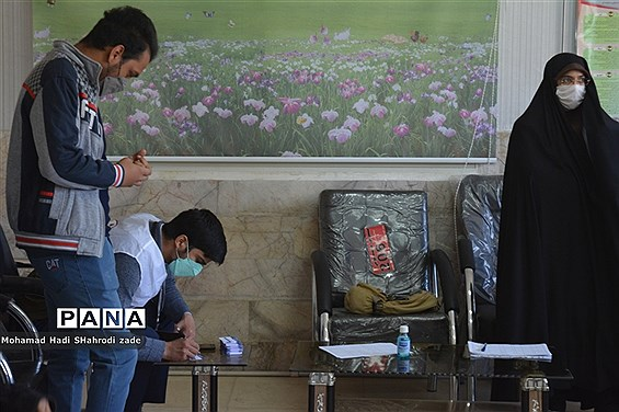 واکسیناسیون دانشآموزان دبیرستان امام علی (ع) ناحیه یک آموزش و پرورش