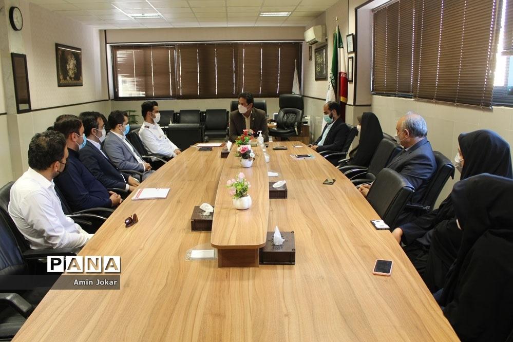نشست سازمان آتش نشانی  و خدمات ایمنی  شهرداری شهر شیراز با سازمان دانش آموزی استان فارس
