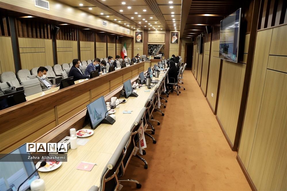 نشست نمایندگان دهمین دوره مجلس دانشآموزی شهر تهران
