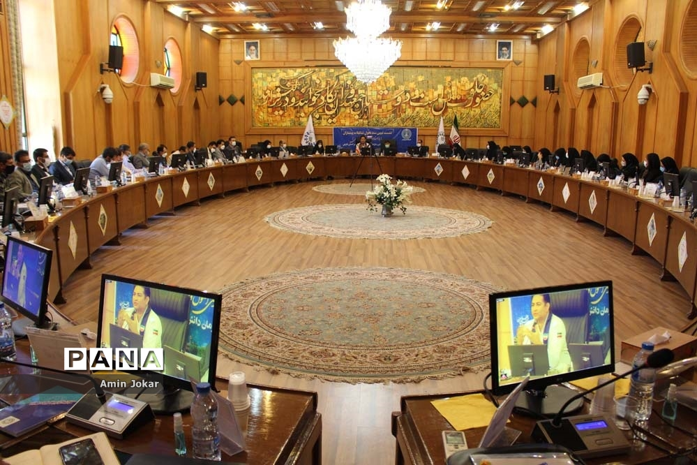 نشست تبیین سند تحول تشکیلات پیشتازان در فارس