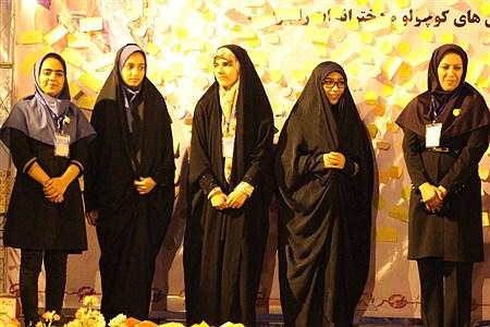 شبی با قرآن دانش آموزان مناطق مرزی  در اردوگاه شهید با هنر | Zahra Sohrabi