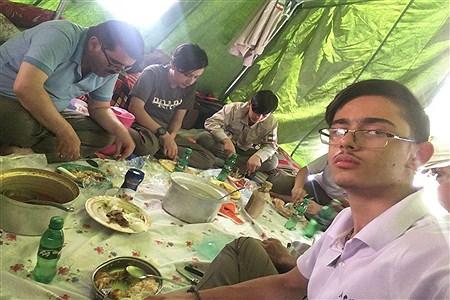 دانش آموزان پیشتاز قم با شایستگی پرچم افتخار خلاقیت و نوآوری را در هشتمین دوره مسابقات ملی پیشتازان کسب کردند.    