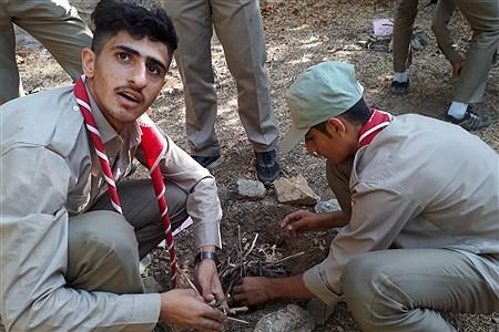 پیشتازان پسر استان کردستان در هشتمین اردو ملی سازمان دانش آموزی که در اردوگاه شهید با هنر تهران در حال برگزاری است  حضور فعال دارند. | Mani Moezardalan