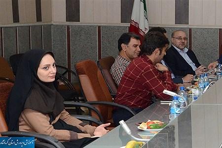 در نشستی با حضور مدیر کل آموزش و پرورش از مدیران فرهنگی رسانه های مکتوب استان کرمانشاه تجلیل شد  | Nazanin rahmanabadi