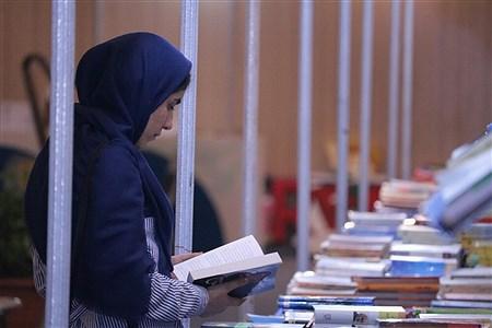 نمایشگاه بزرگ کتاب در جزیره کیش  | Amir Hossein Yeganeh
