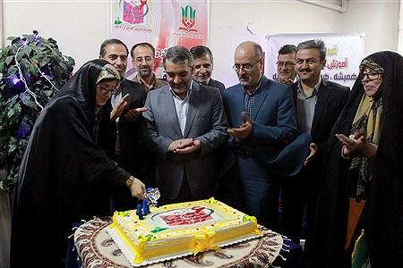گرامیداشت سالروز تاسیس مدارس آموزش از راه  دور   Bahman Sadeghi