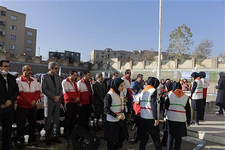 مراسم  نمادین  بیستمین مانور سراسری زلزله و ایمنی در دبیرستان زکیه ناحیه یک سنندج با حضور مسولان استانی برگزار شد. | Chiman SHadman
