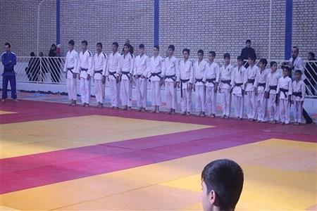وزیر ورزش و جوانان برای افتتاح چندین طرح ورزشی عازم قم شد. | amir hossein rangraz