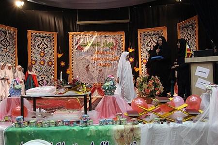 56نفراز دانش آموزان دختر دبستان مطهره در مراسمی به سن تکلیف رسیدن خود را جشن گرفتند |