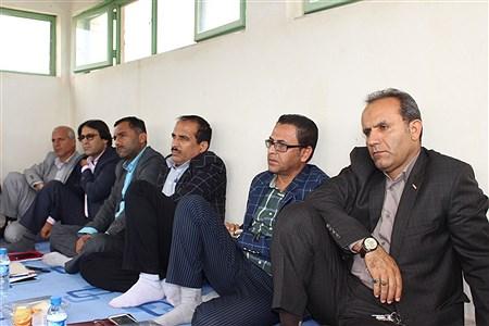 کارشناسان فناوری و نیروی انسانی آموزش و پرورش استان بوشهر   Alireza Zare