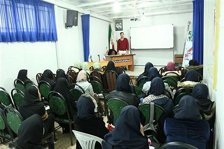 کارگاه خبرنگاری پانا قزوین با حضور دانش آموزان دختر و پسر ناحیه 1 در سالن اجتماعات سازمان دانش آموزی استان قزوین برگزار شد. | fazel emamgholi