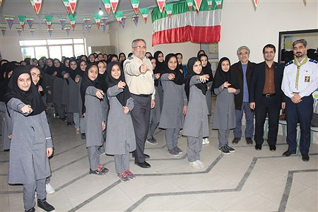 تمرین سرود 1357 نفری در مدارس استان همدان   Sahar Chahardoli