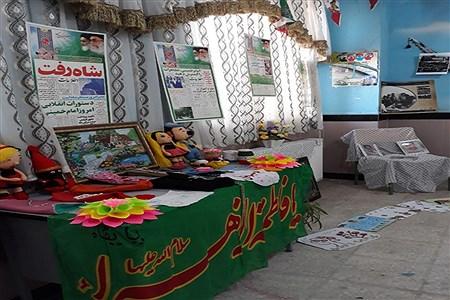 برپایی نمایشگاه از فاطمه(س) تا فجر در آموزشگاه خاص قرآنی مائده | siavoshi