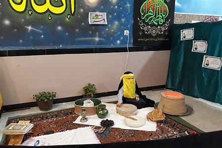 برپایی نمایشگاه از فاطمه(س) تا فجر در آموزشگاه خاص قرآنی مائده | Fatemeh Siavashi