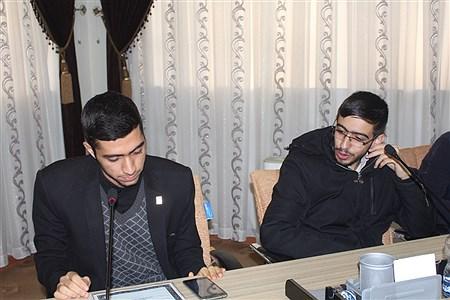 نشست صمیمی اعضای مجلس و شورای دانش آموزی با معاون پرورشی و فرهنگی آموزش و پرورش استان همدان | Sahar Chahardoli